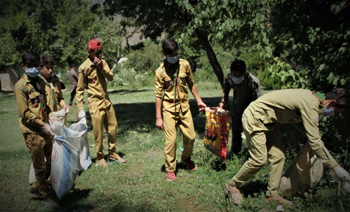 Ismaili community launches cleanliness drive in Booni
