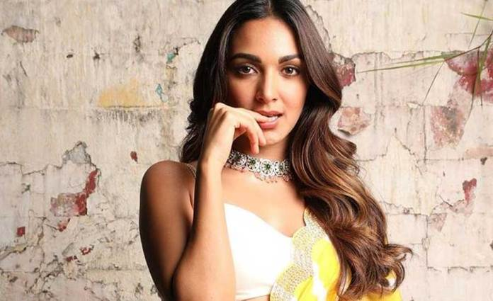 Kiara Advani Arrives In Hyderabad For #RC15 launch