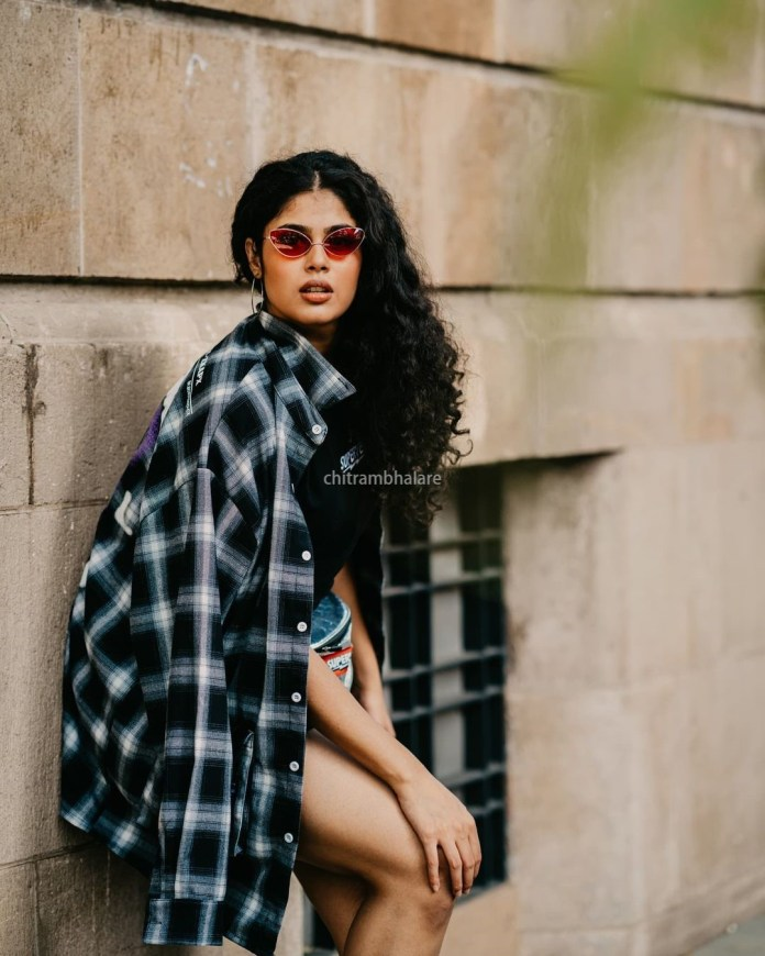 Actress Faria Abdullah Hot and sexy images