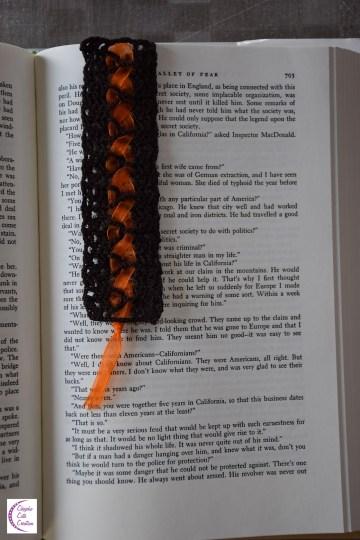 Brown bookmark +°+ Marque-page marron