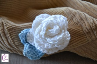 White rose brooch +°+ Broche rose blanche