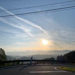日没が近づき旅愁気分が増幅される風景@アルプス展望道路