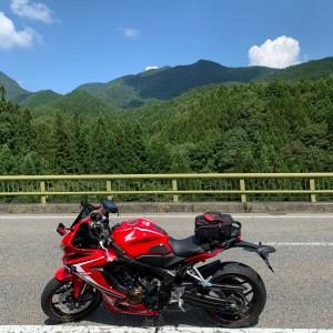 r54から夏の山岳風景を望むwith CBR650R