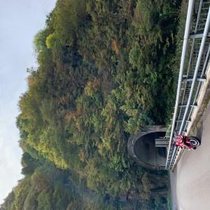 三国川ダム湖奥のトンネルにてwith CBR650R