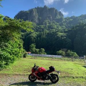 ワイルドな奇岩の岩櫃山