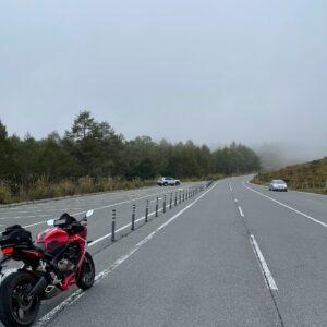 東御嬬恋線/r94の地蔵峠近い霧に包まれたロード風景with CBR650R②