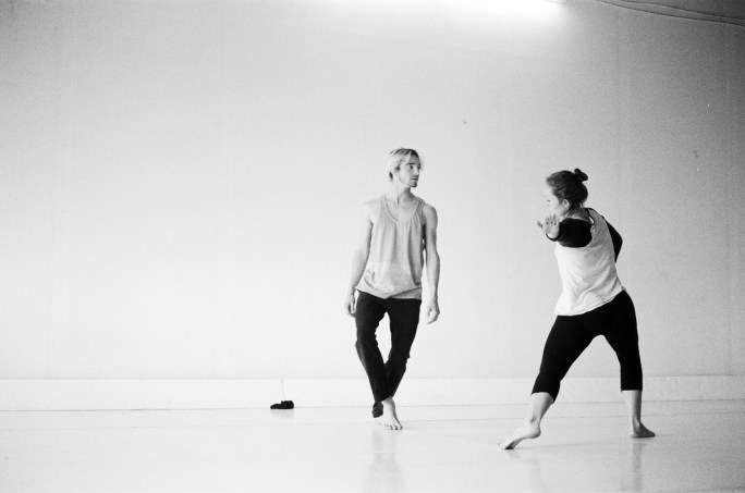 """Dancers Elle Jansen and Marcell DeBarros in rehearsal with Chlo & Co for """"Non-Concentric Circles"""" (2016) Photo by Chloë Zimberg"""