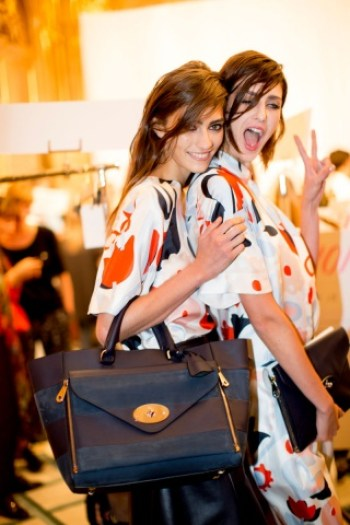 mulberry-rtw-ss2014-backstage-14_113200737597.jpg_carousel_parties