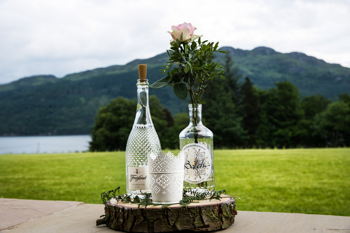 Scotland wedding inspiration. Glasgow wedding photographer. Scotland destination wedding photographer. Lodge on Loch Goil wedding