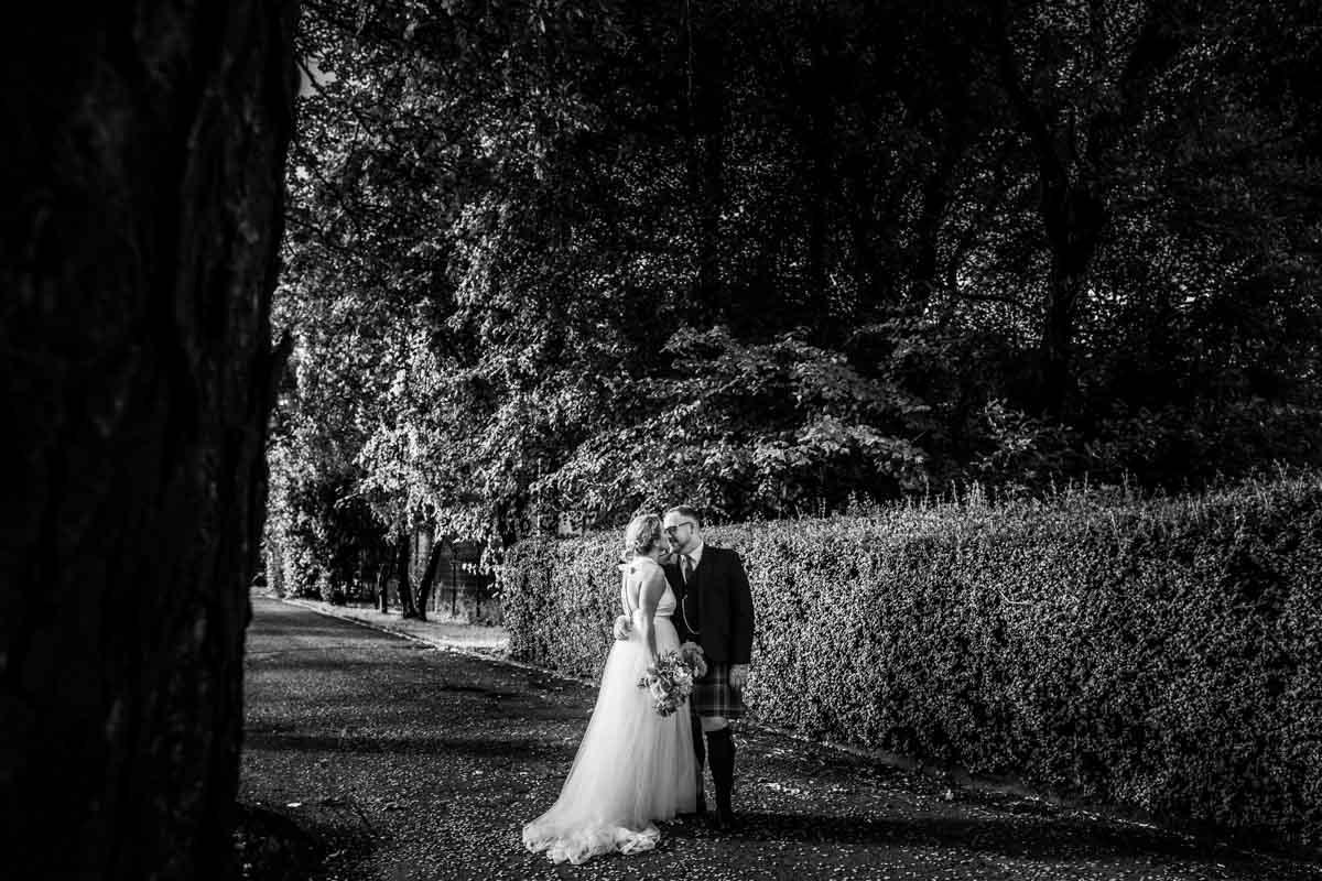The Dumbuck Hotel wedding, bride and groom shots