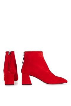 maggie-red-boots