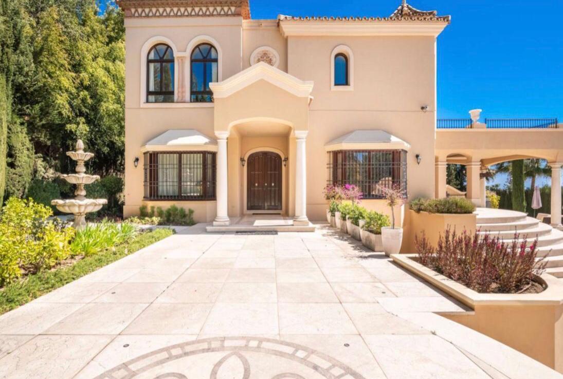 exterior of sierra blanca villa