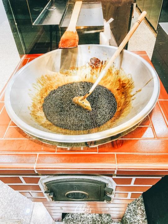 "Best Milk Tea in Taiwan (Kaohsiung) - ""stir-fried"" Brown Sugar Pearl Milk at Xing Fu Tang   #Kaohsiung #Taiwan #Milk-tea #bubbletea #bobatea #pearltea #brownsugarbubbletea #XingFuTang"