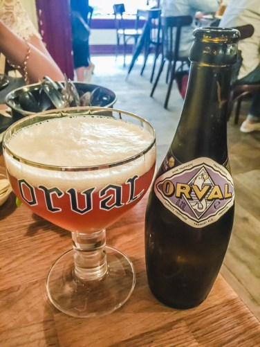 7 Things to Eat in Brussels - Best Beer Bars for Beer Tasting | #BelgianBeer #BelgianTrappistBeer #Brussels #Bruxelles #Europe #Food #Belgium #Delirium | www.chloestravelogue.com