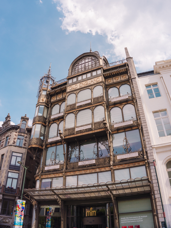 One day in Brussels for Architecture Lovers - Art Nouveau Tour | #Brussels #Bruxelles #Belgium #itinerary #Europe #ArtNouveau #Architecture #VictorHorta #OldEngland #UNESCOWorldHeritage #Landmark | www.ChloesTravelogue.com