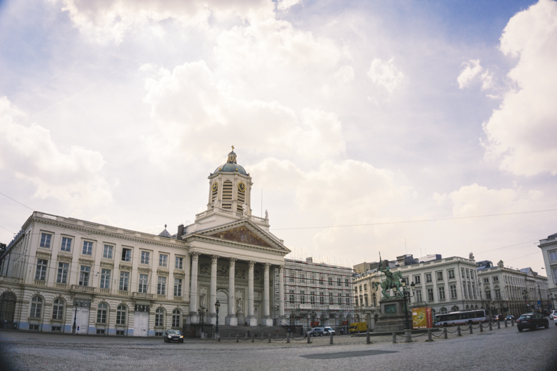 One day in Brussels: The Royal Square | #Brussels #Bruxelles #Belgium #itinerary #Europe #BeautifulDestinations #history #PlaceRoyale #Leopold #Landmark | www.ChloesTravelogue.com