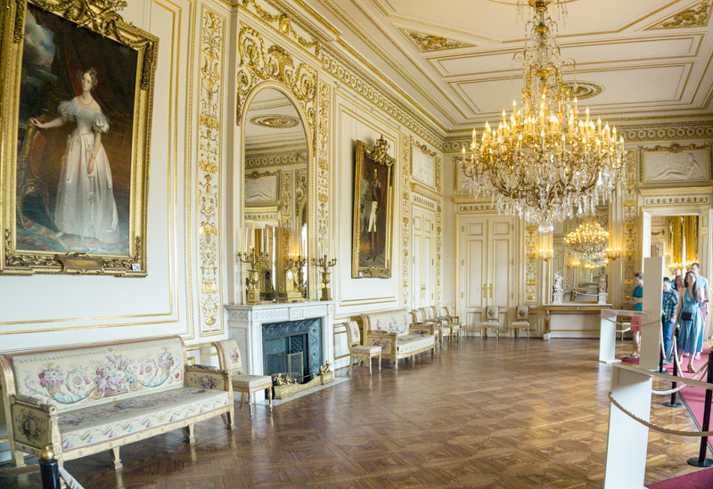 Summer in Brussels: A Photo Guide to the Royal Palace of Brussels | Small and Large White Rooms
