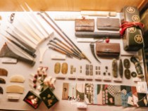 Higashi Chaya (Kanazawa Geisha District) | Visit Shima Teahous to peek at the glamorous Japanese edo-period geisha house | #Kanazawa #higashichaya #Geisha #shima #irori #japanesedessert #goldleaf | chloestravelogue.com