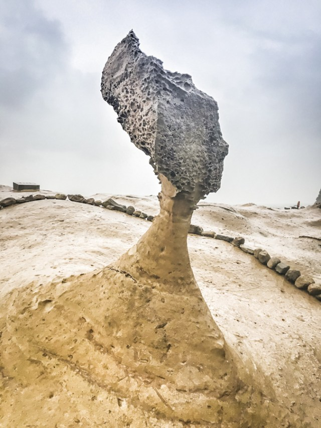 Yehliu Geopark | See honeycomb rock formations along Taiwan's northeast coast, including the famous Queen's Head Rock | #yehliu #queensheadrock