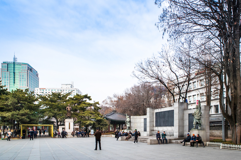 [Seoul Travel Guide by a Korean] What to Do in Insadong, Seoul's Traditional District: Have a Passing Nod to Korean History at Tapgol Park | #Insadong #Seoul #TravelKorea #AsiaTravel #ThingstoDo #tapgolpark