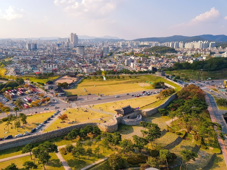7 Best Day Trips from Seoul: Suwon Hwaseong Fortress | #HwaseongFortress #UNESCOsites #SeoulDayTrips #DayTripsfromSeoul #VisitKorea #TravelSeoul