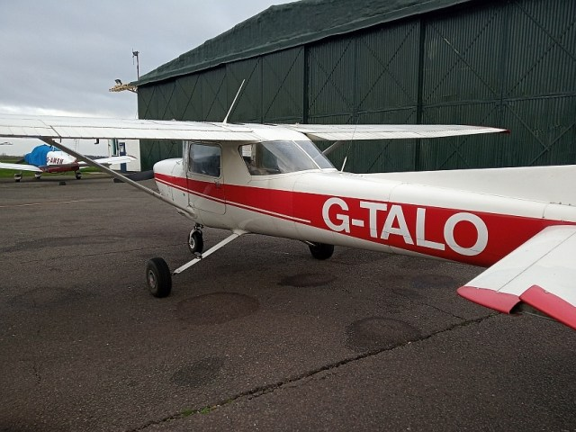 Cessna 152 w Tatenhill Aviation