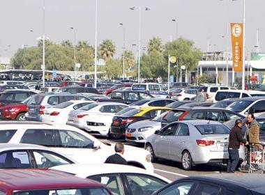 Los estacionamientos custodia del aeropuerto están pensados para estadías de más de un día.