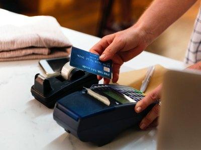 Tarjetas de crédito con cuotas sin interés en abril