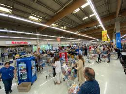 Los supermercados que abrirán el jueves 23 de octubre