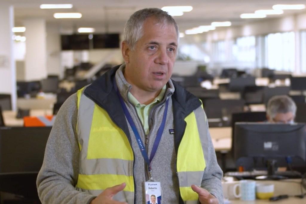 Roberto Alvo, CEO de LATAM Airlines, en un video de lanzamiento del plan de sostenibilidad de la compañía.