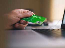 Tarjeta de crédito Cruz Verde de Solventa