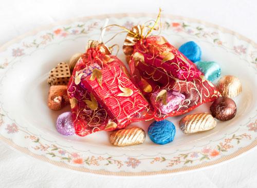 Assorted chocolate gift hampers & baskets in Kolkata