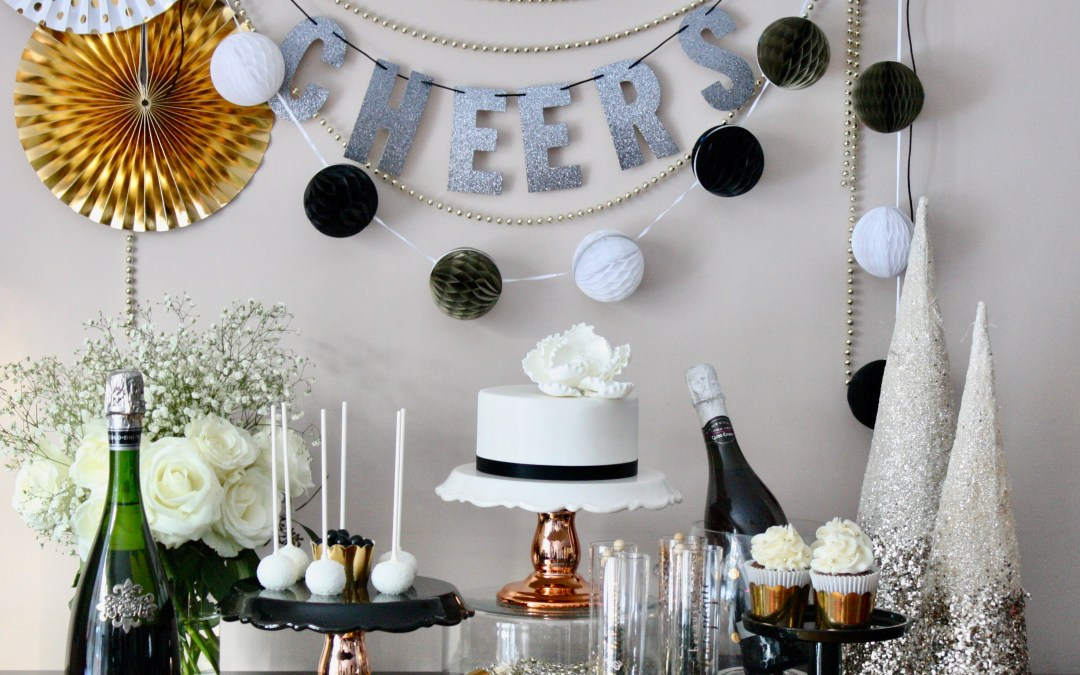 [:en]Sweet Endings: New Years Eve Dessert Table[:]