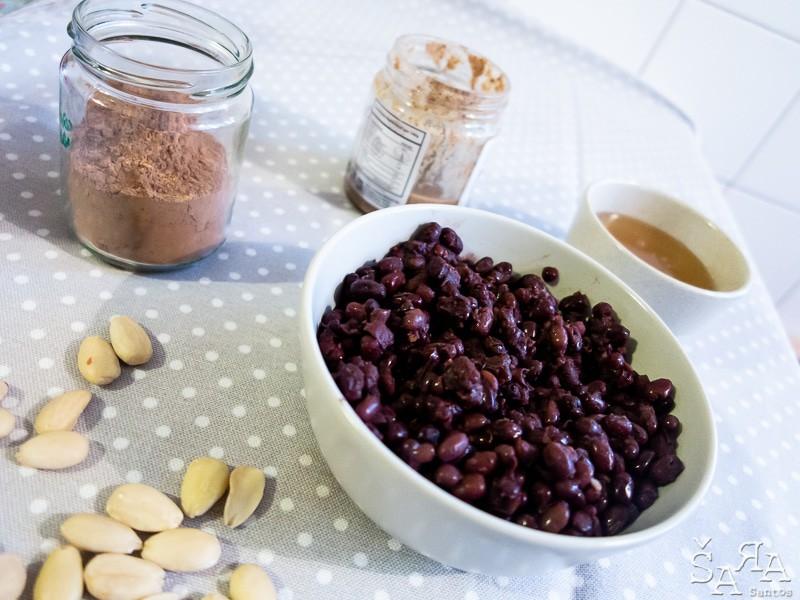 Ingredientes para Trufas de cacau cru e feijão Azuki