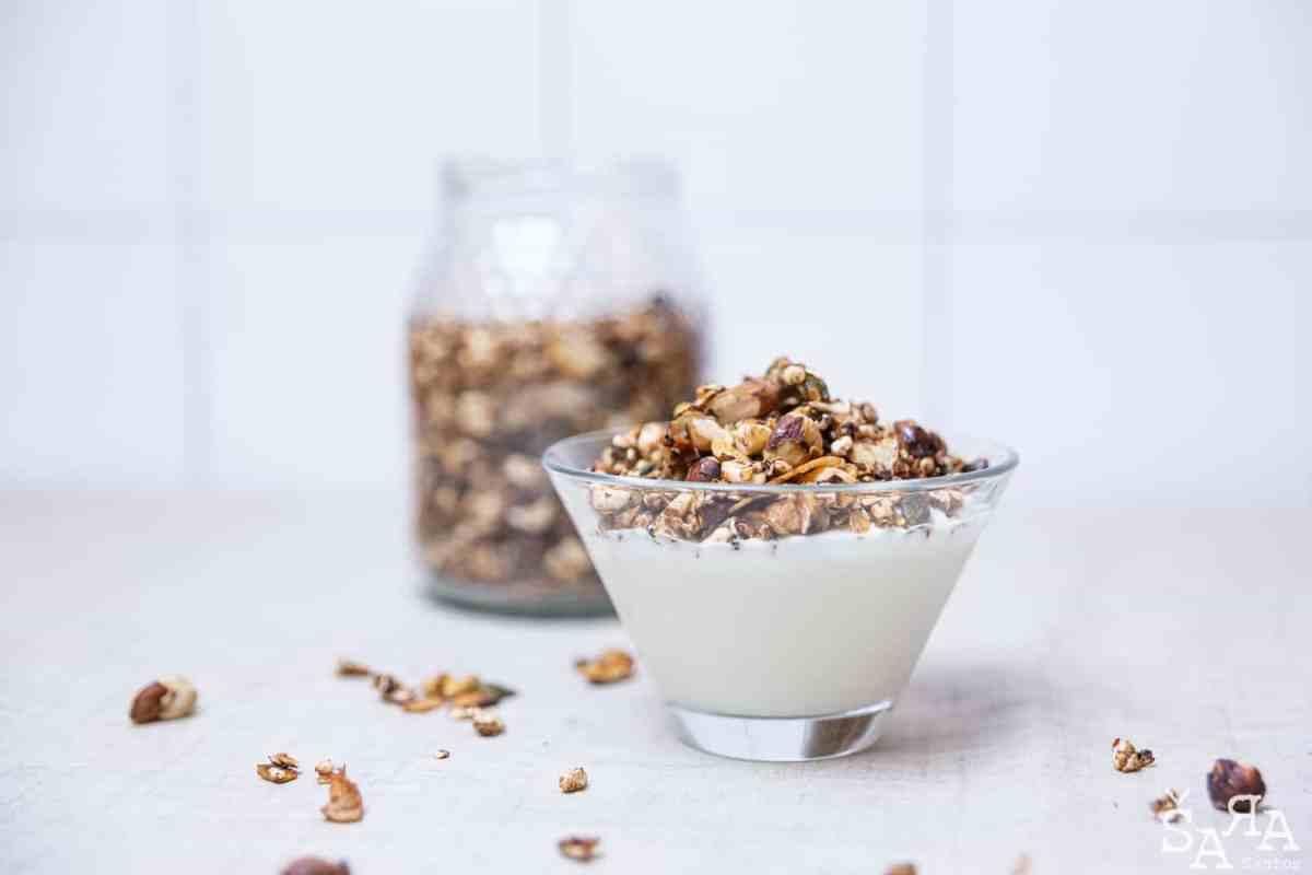 Granola com iogurte