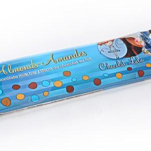 Barre de chocolat aux amandes