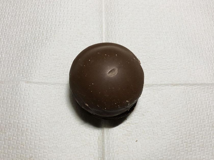 表面はミルクチョコ