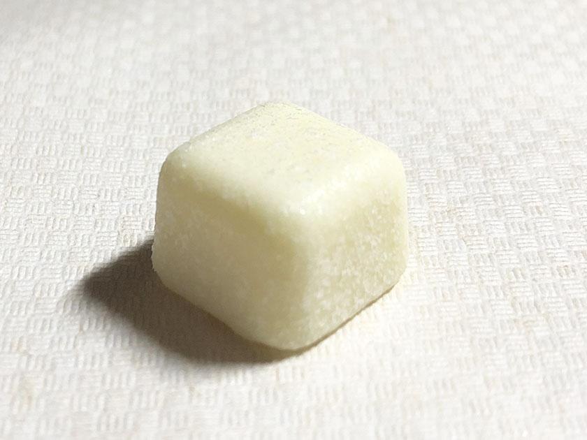 真っ白なホワイトチョコ