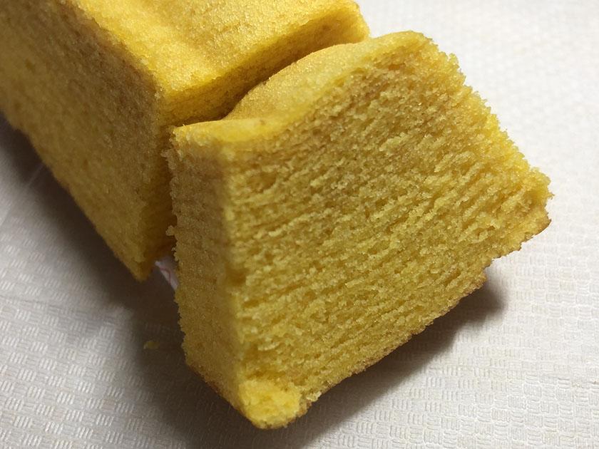 黄色濃いめ