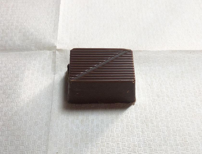 『フルタ』の「生クリームチョコレート焦がしキャラメル」は小サイズ