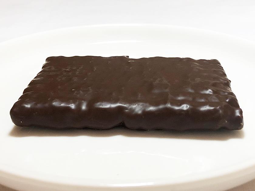 『セブンアンドアイ』の「シュガーバターの木 炭火ショコラ」の外観