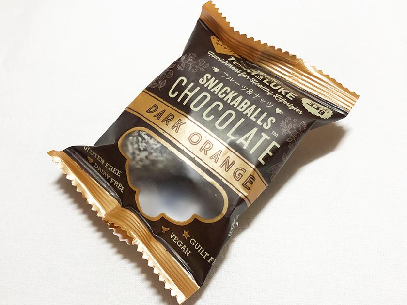 『トム&ルーク』の「フルーツ&ナッツスナックボールチョコレート ダークオレンジ」のパッケージ