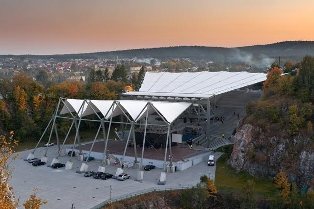 Zadaszenie cięgnowo-membranowe amfiteatru Kadzielnia w Kielcach