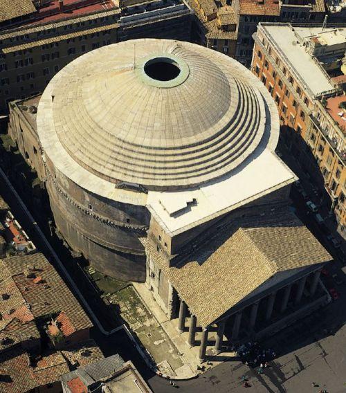 Kopuła Panteonu w Rzymie 125r.[12]
