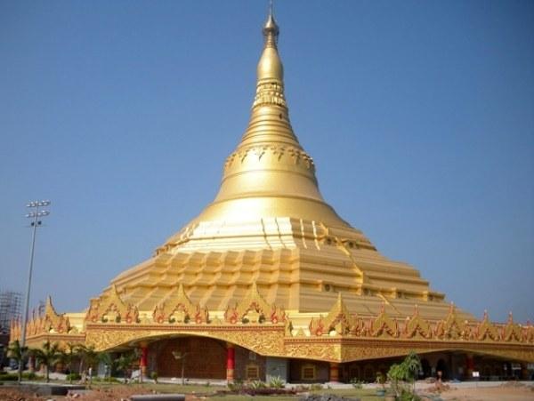 Rys1. Global Vipassana Pagoda, Bombaj, Indie [B2]