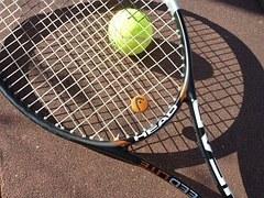 tennis-363663__180.jpg