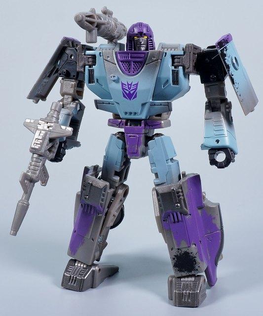 ウォーフォーサイバトロン ミラージュ ロボットモード
