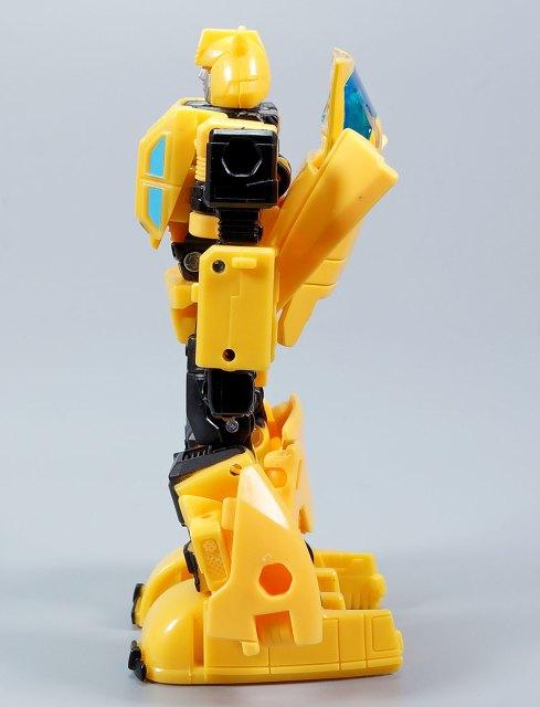 バズワージーバンブルビー オリジンバンブルビー ロボットモード