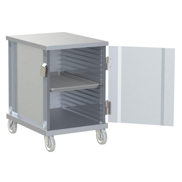 16 Pan Capacity with Solid Door