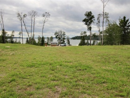 Lakeview Lot in Luxurious Lauman's Landing, Lac Des Isles